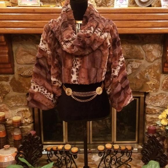 Dolce Vita Jackets & Blazers - NWOT/Dolce Vita Pullover Faux Fur Jacket